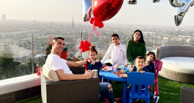 Familie von Cristiano Ronaldo. Quelle: Screenshot Youtube