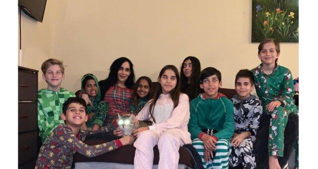 Nadya und ihre Kinder. Quelle: Screenshot Youtube