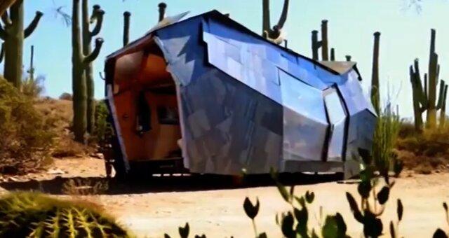Haus zwischen Kakteen. Quelle: Screenshot Youtube