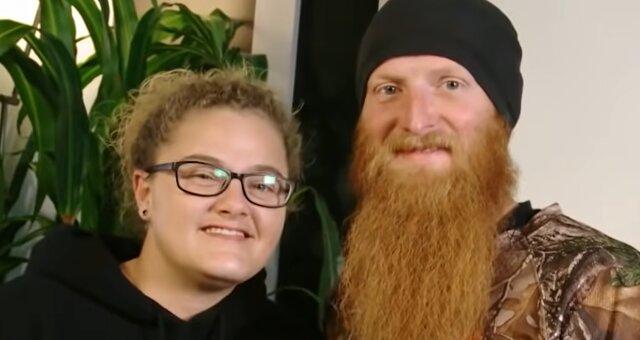 Stacey Collins und Brandon Helms. Quelle: Screenshot Youtube