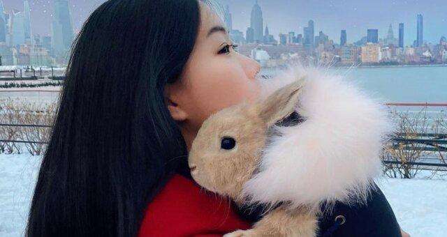 Chen und ihr Kaninchen Miffy. Quelle: Instagram
