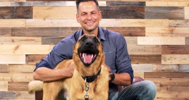 Hund und sein Besitzer. Quelle: Screenshot Youtube