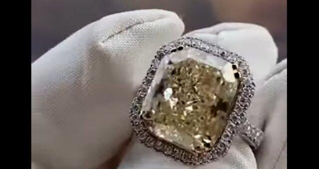 Ring mit einem Diamanten. Quelle: Screenshot Youtube