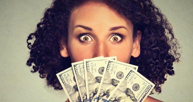 Frau gewinnt 758 Millionen im Lotto. Quelle: Screenshot Youtube