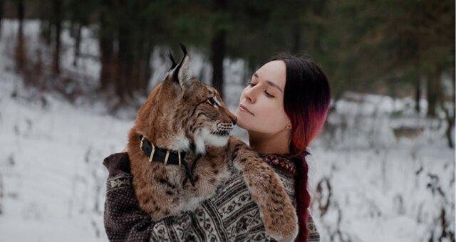 Anastasia und Luchs. Quelle: Instagram