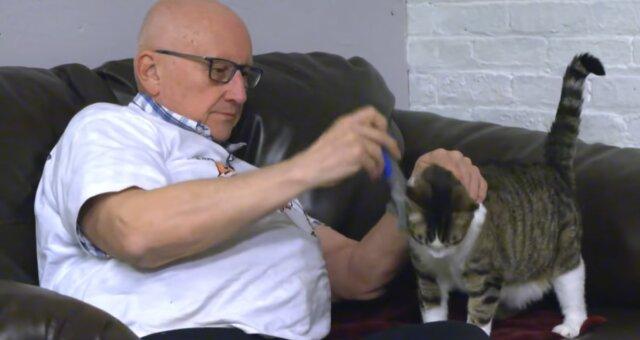 Terry Lauerman und Katze. Quelle: Screenshot Youtube