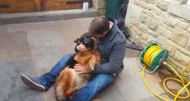 Freya und ihr Besitzer. Quelle: Screenshot Youtube