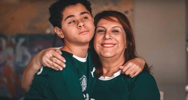 Mutter und Sohn. Quelle: lemurov.net