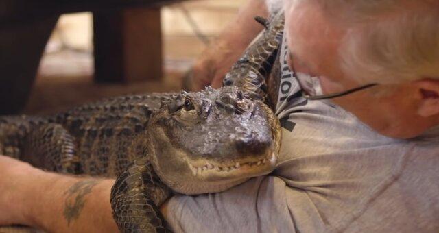 Joey Henney und seine Haustier Wally. Quelle: Screenshot Youtube