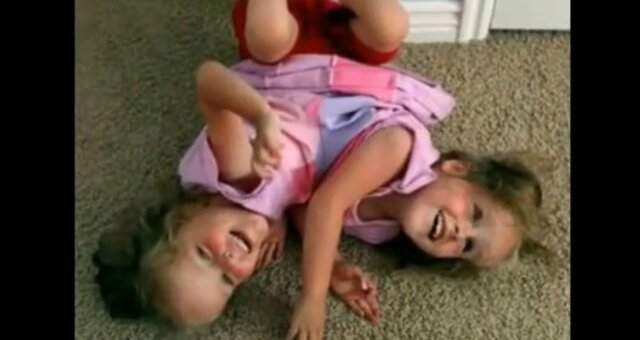 Kendra und Maliyah. Quelle: Screenshot Youtube